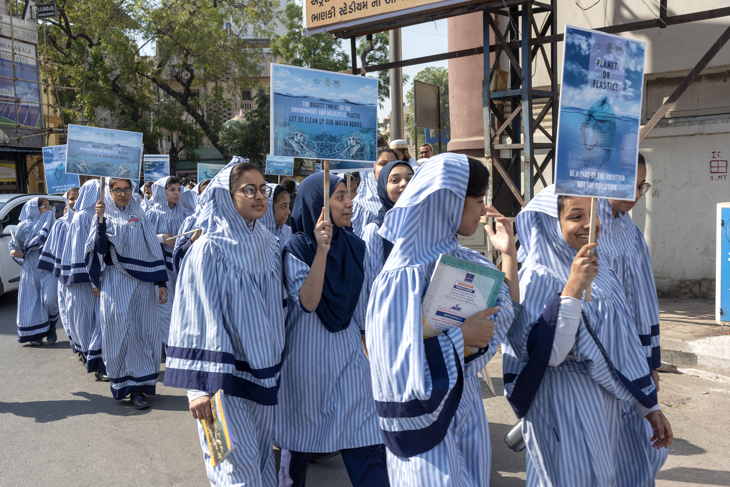 Dawoodi Bohras, Students, Rally, Plastic Pollution, Turning the Tide, Afroz Shah, Tapti River, Surat